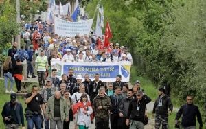 Bosna Hersekte Barış Yürüyüşü binlerce kişinin katılımıyla başladı