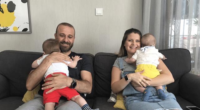 İzmirli çift kardeş bebeklere koruyucu aile oldu