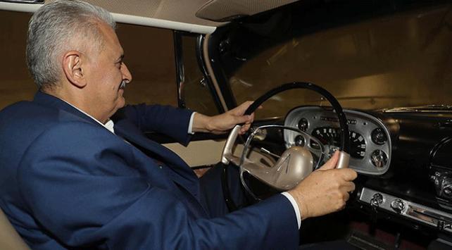 """""""Son Başbakan""""ın kullandığı otomobile gözü gibi bakıyor"""