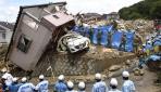 Japonyada sel ve toprak kaymalarında can kayıpları artıyor