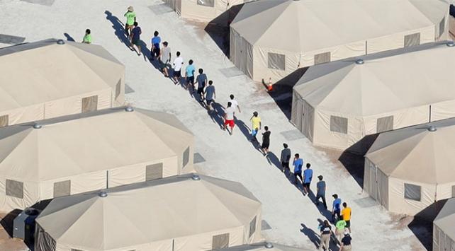 Göçmen çocukların sadece yarısı ailelerine verilebilecek