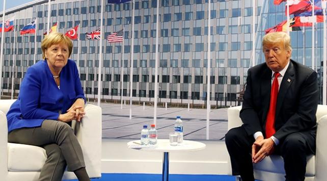 Trump ve Merkel NATO Zirvesinde görüştü