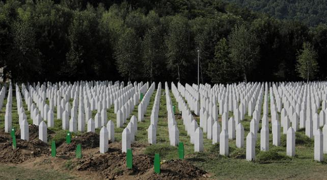 Potoçari Anıt Mezarlığı cenaze töreninin ardından sessizliğe gömüldü