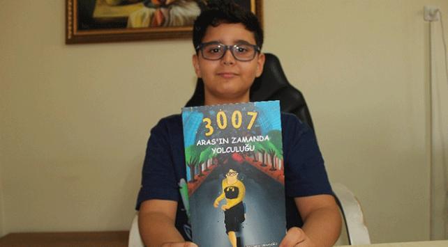 11 yaşında kitap çıkaran Aras gelirini LÖSEVe bağışladı