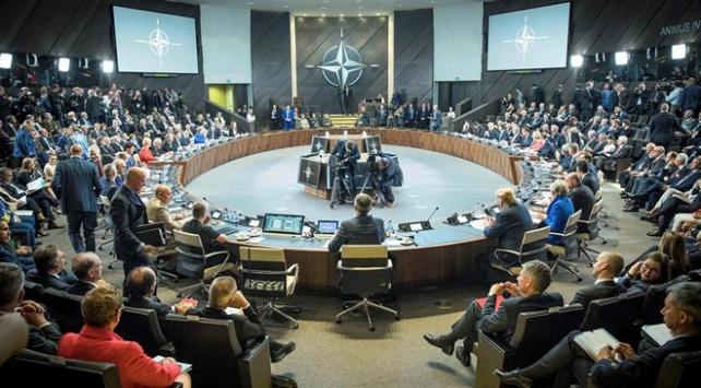 NATO liderleri Trumpın talebini görüşmek üzere acil toplandı