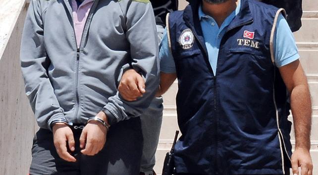 İzmirdeki FETÖ operasyonu: 4 tutuklama