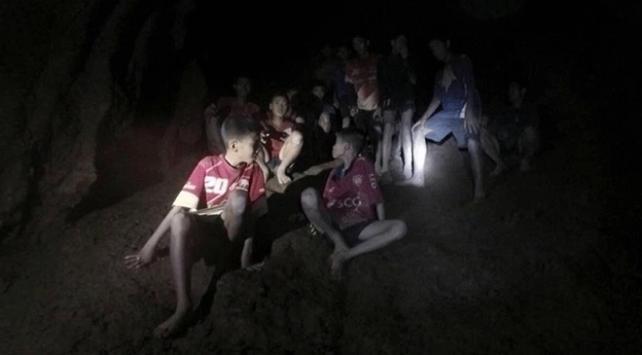 Taylandda mağarada mahsur kalan çocukların hikayesi film oluyor