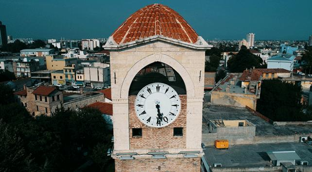 Mustafa Demirbağ 136 yıllık saati her hafta kuruyor