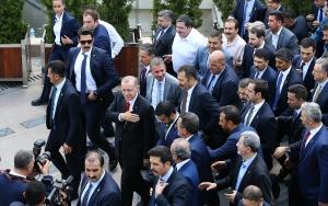 Cumhurbaşkanlığı Kabinesi üyeleri Hacı Bayram Camisinde cuma namazı kıldı