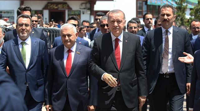 Cumhurbaşkanlığı Kabinesi Hacı Bayram Camiinde