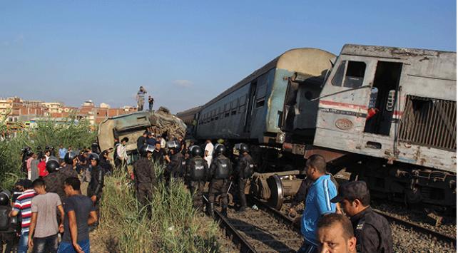 Mısırda 3 tren vagonu devrildi