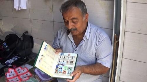 Pazarcının 30 yıllık pul tutkusu