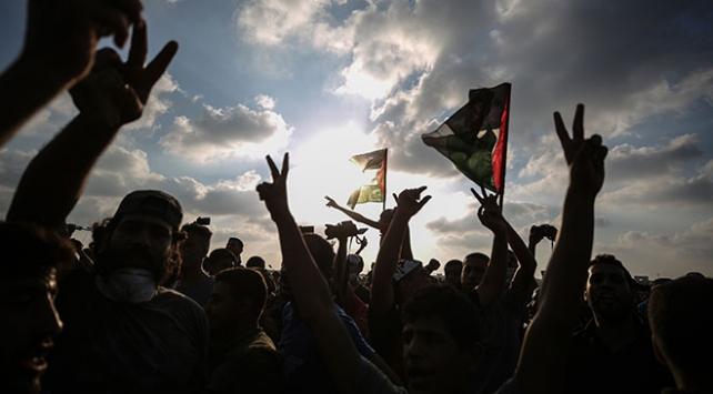 Gazzede Büyük Dönüş Yürüyüşü gösterilerinde 16. cuma