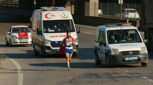 Bekir Zengin 15 Temmuz Vefa Koşusu için Kocaeli Dilovasını geçti
