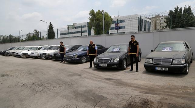 Adanada otomobil hırsızlarına operasyon: 15 gözaltı