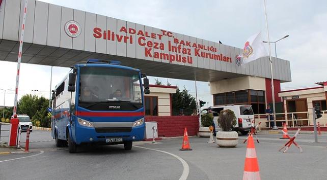 İstanbuldaki darbe sanıklarına ceza yağdı
