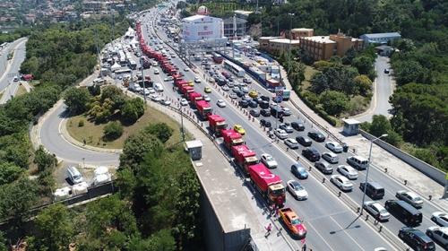 15 Temmuzun sembolü hafriyat kamyonları Şehitler Köprüsünde