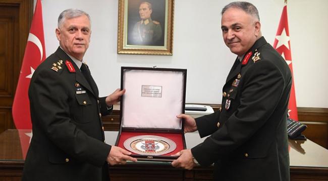 Genelkurmay 2. Başkanlığında ve Kara Kuvvetleri Komutanlığında devir teslim töreni