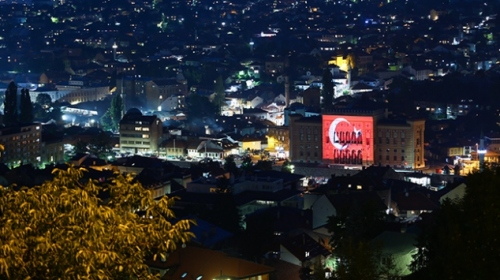 Saraybosnanın hafızası Türk bayrağına büründü