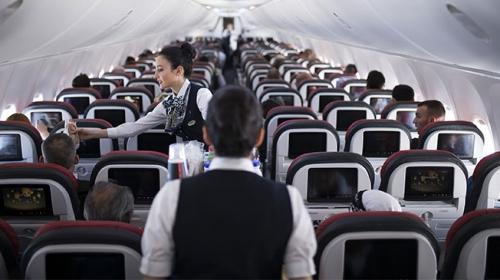 Uçuş görevlilerinde kanser riski daha yüksek