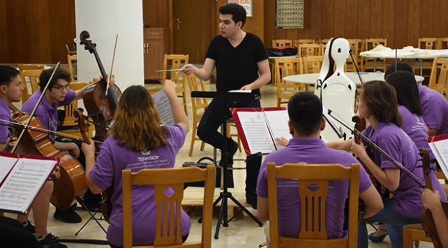Türk klasik müziğini Balkanlar'a taşıyacaklar