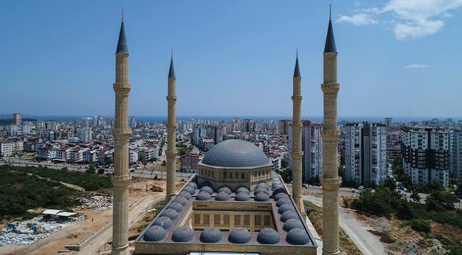 Antalyada 15 bin kişilik cami inşa edildi