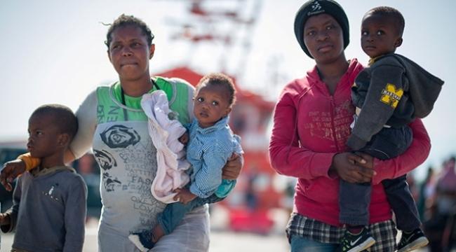 Yasa dışı göçmenlerin sınır dışı edilmesine geçici durdurma kararı