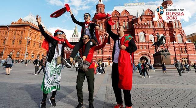 Futbolseverler Rusyaya 1,5 milyar dolar kazandırdı