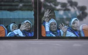 Endonezyada Hac yolculuğu başladı