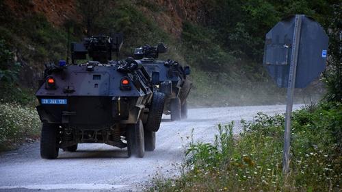 Gümüşhane Kürtünde PKKlı teröristlerle sıcak temas kamerada