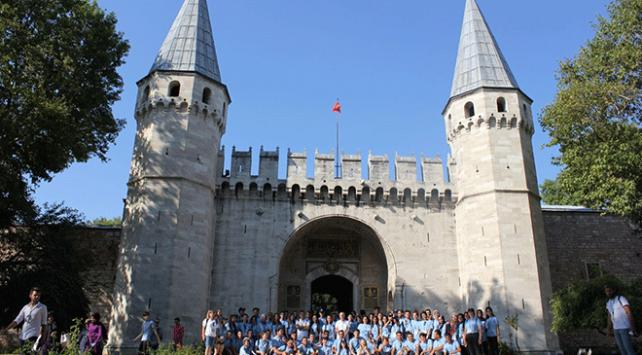Şehit ve gazi çocukları İstanbulu gezdi