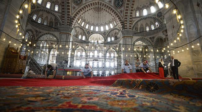 Fatih Camii tarihi halılarına yeniden kavuşuyor
