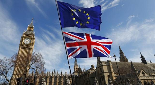 İngiltere Avrupa Birliği'nden çıkış yolu bulamıyor