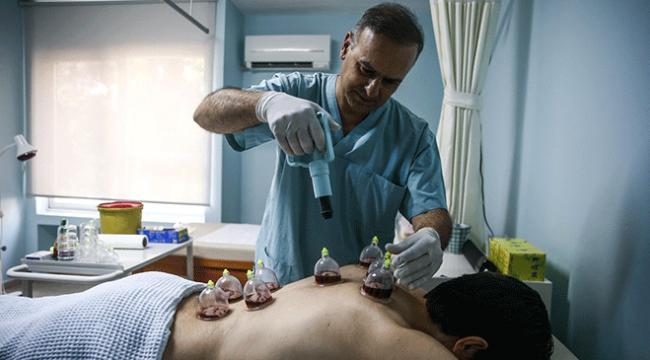 Genel cerrah eğitim alıp hacamat yapmaya başladı