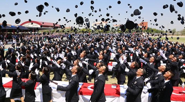 POMEM eğitimlerini tamamlayan 4 bin polis adayı mezun oldu