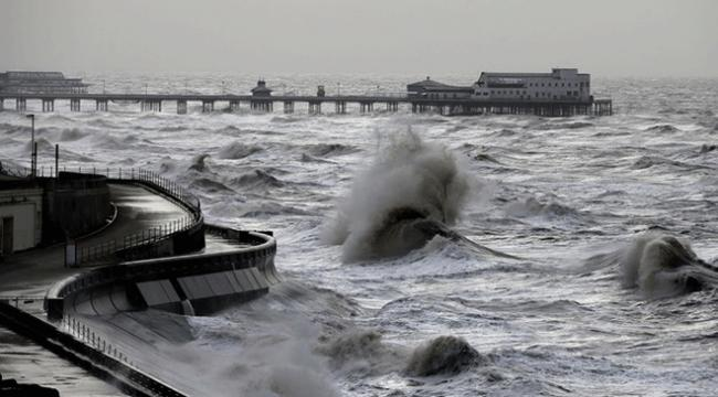 """Filipinlerde """"Henry"""" fırtınası: 71 bin kişi tahliye edildi"""