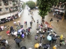 Hindistan'da muson yağmurları 28 can daha aldı