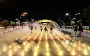 """İstanbulda """"Sis Parkı"""" açıldı"""