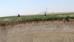 Konyalı çiftçiler obruklara rağmen yaşam mücadelesi veriyor