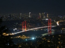15 Temmuz Şehitler Köprüsü'nde ışıklar özel sporcular için yandı