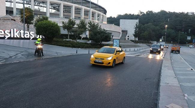Beşiktaşta çöken yol onarılıp yeniden trafiğe açıldı