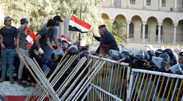 Irakta protesto gösterilerinde 1 kişi daha hayatını kaybetti