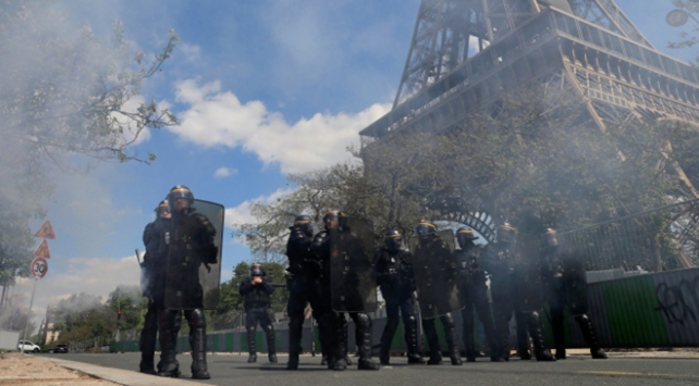 Grev dalgası Fransa'ya pahalıya patladı
