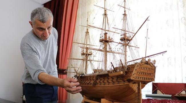 Ağaç parçalarından tarihi savaş gemisi maketlerine