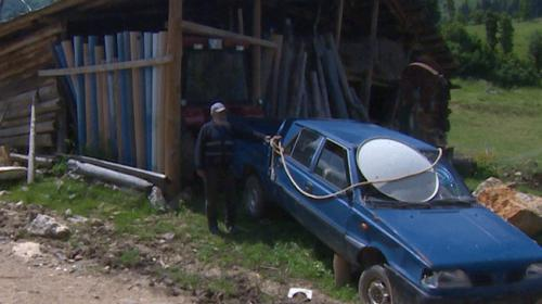 Köyde araç koleksiyonu yaptı