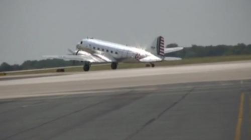 ABDde 2. Dünya Savaşından kalma uçak kalkış sırasında düştü