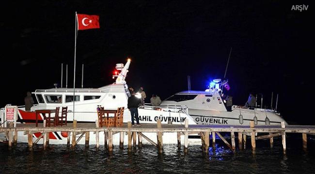 İzmirde balıkçı teknesi alabora oldu: 2 ölü