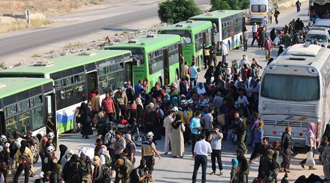 İran güçleri 800 kişilik tahliye konvoyunu alıkoydu