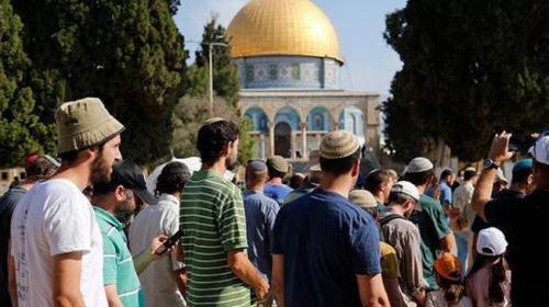 Yüzlerce fanatik Yahudiden Mescid-i Aksaya baskın