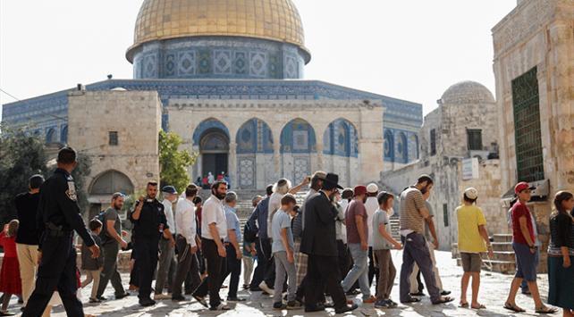 Mescid-i Aksaya baskın düzenleyen fanatik Yahudilerin sayısı bini geçti